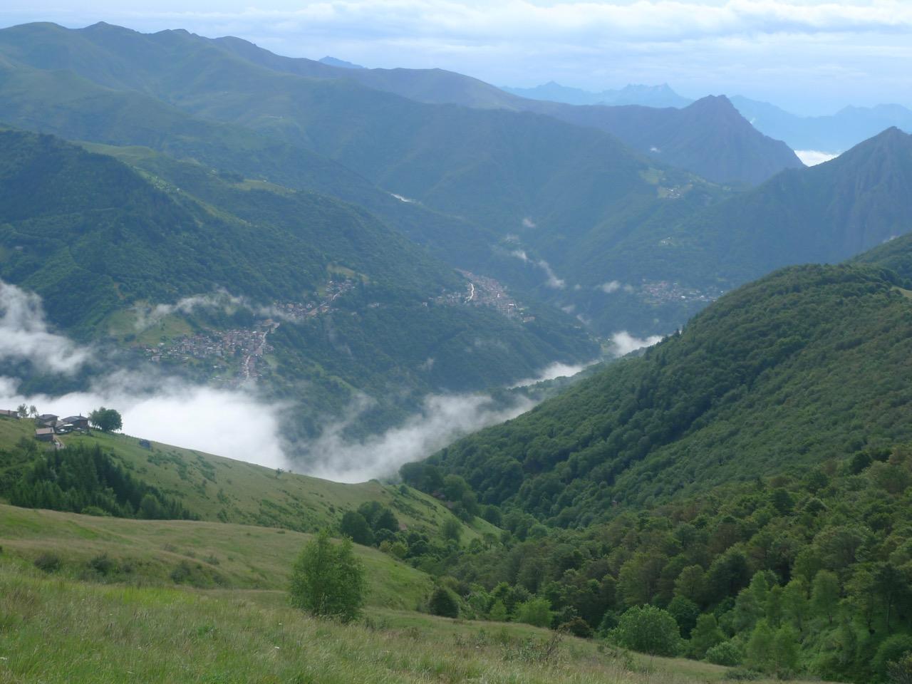 Blick ins italienische Cavargna nach dem heftigen nächtlichen Gewitter