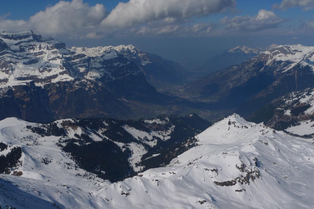 Blick vom Gipfel ins Glarner Land