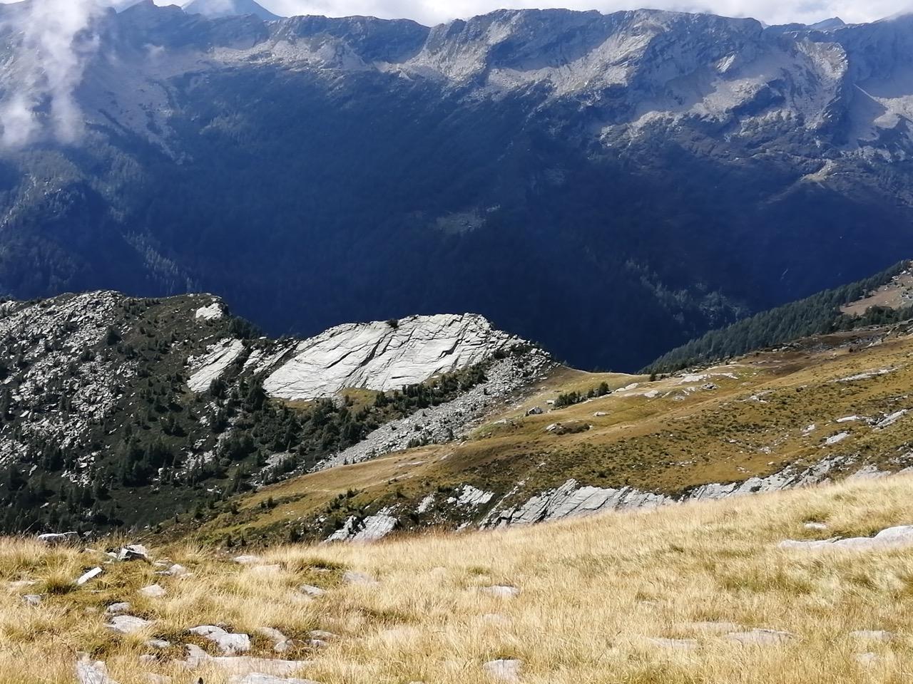 Alpe Ribia hoch über dem Valle Vergeletto