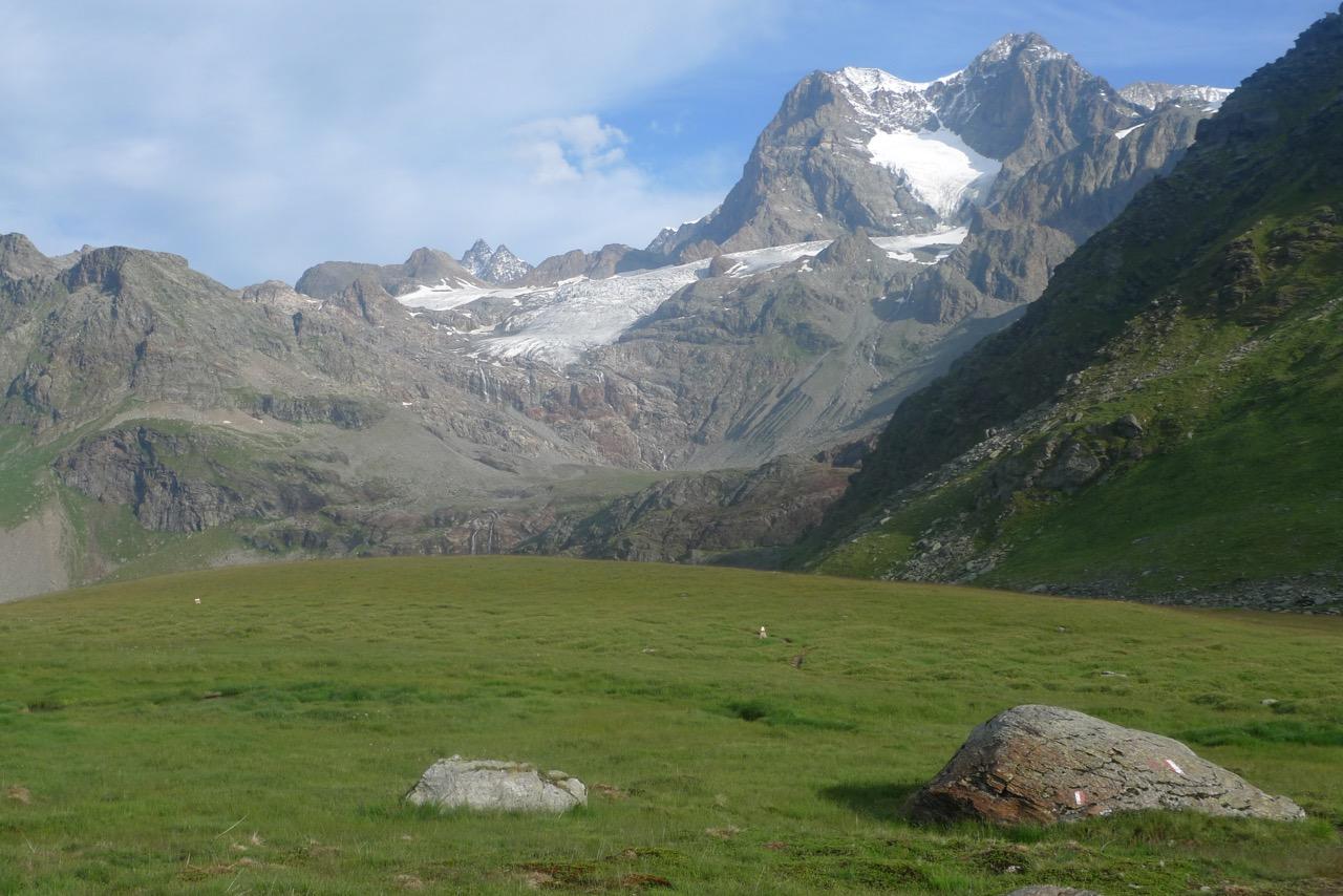 Blick vom Pass da Canfinal zum Piz Argient und Piz Zupò