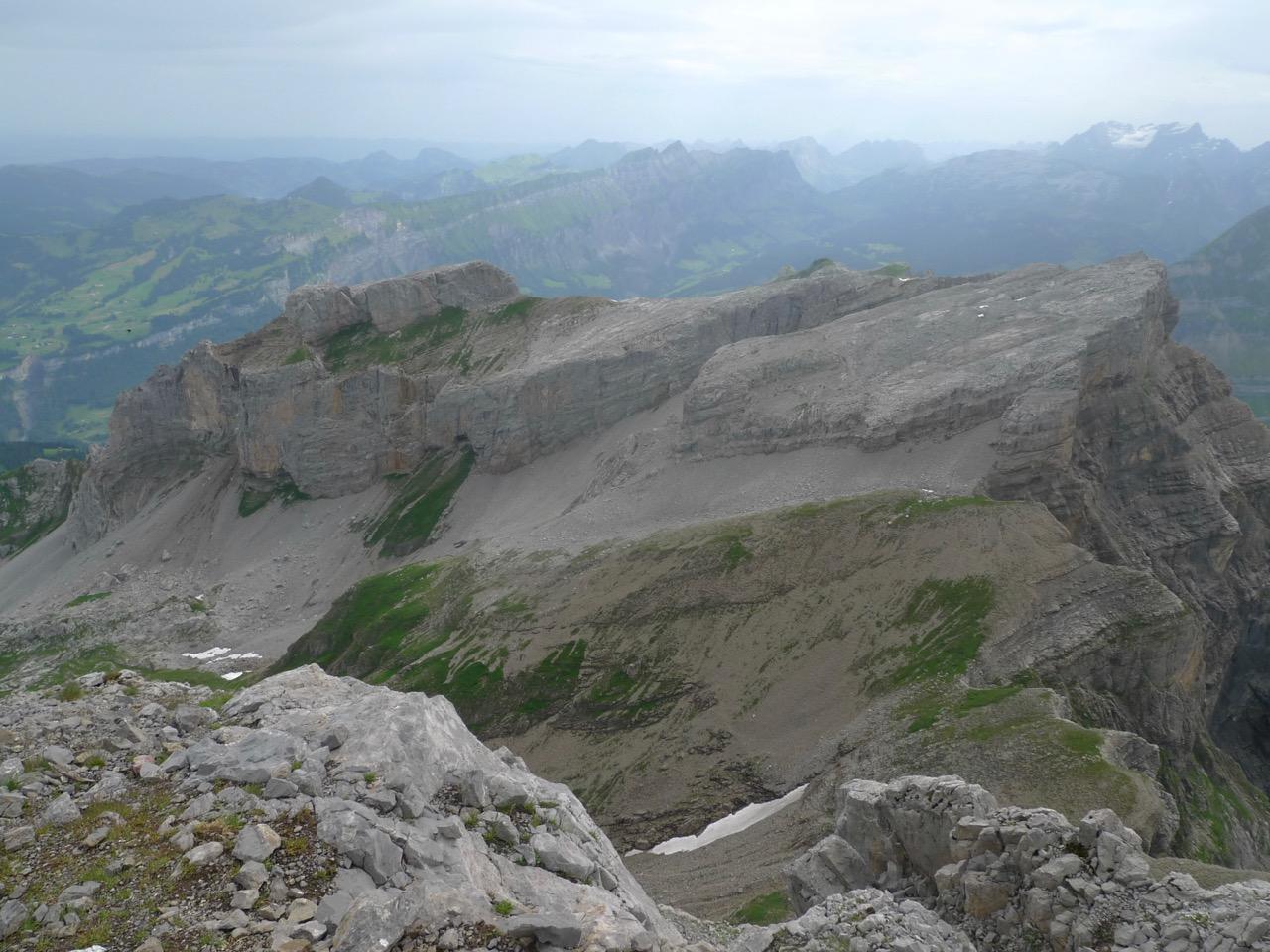 Blick zum Blüemberg, im Winter ein beliebtes Skitourenziel
