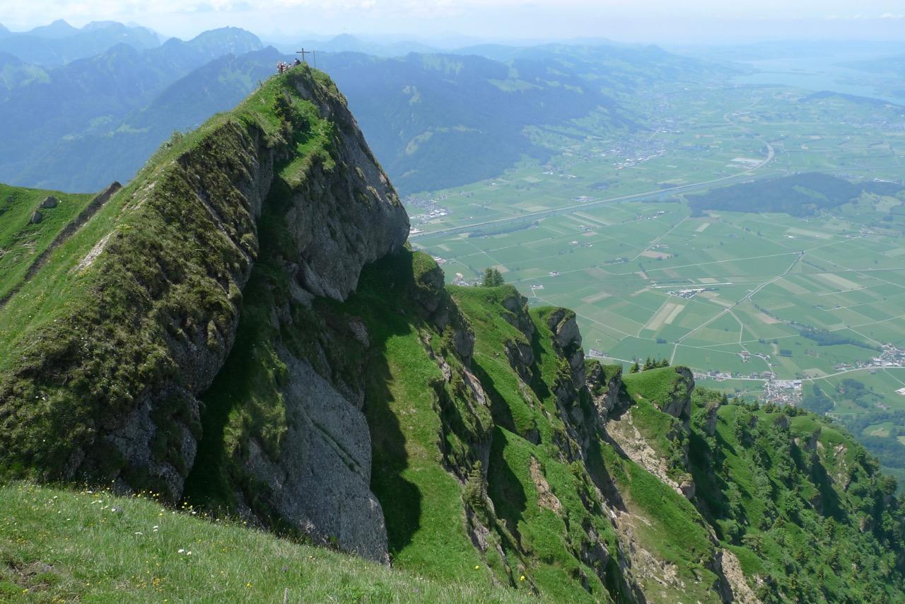 Federispitz mit Gasterland in der Tiefe und Zürichsee