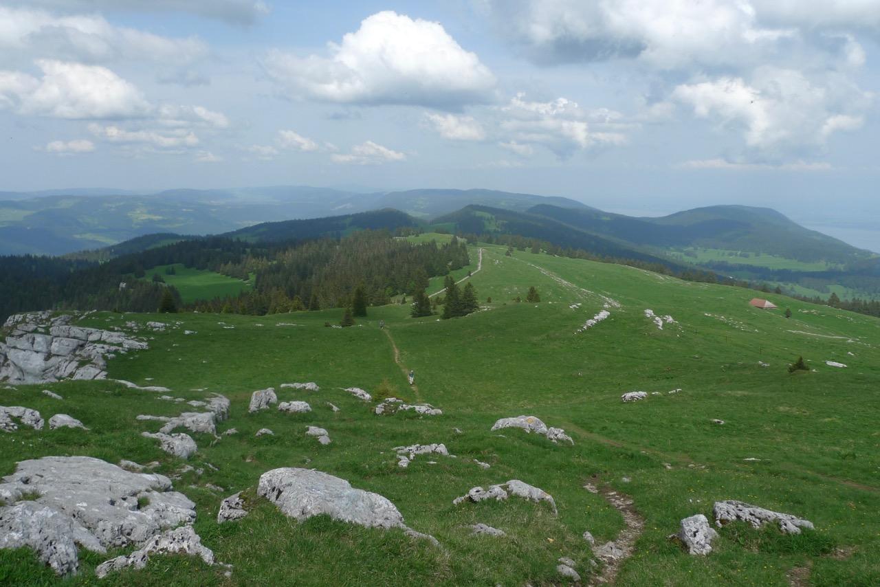 Blick vom Chasseron über die weite Juraflächen