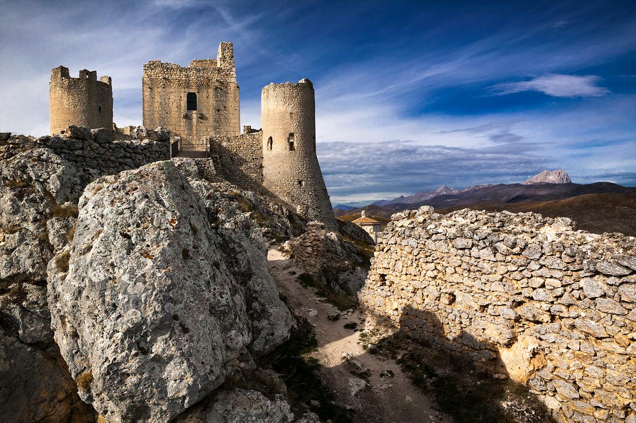 Rocca di Calascio e il Gran Sasso