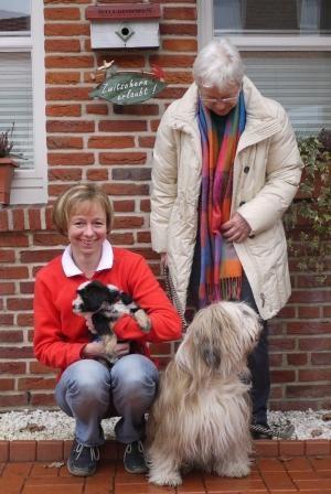 22.01.2011 Petra und Oma Paul mit Cima und Chimpu