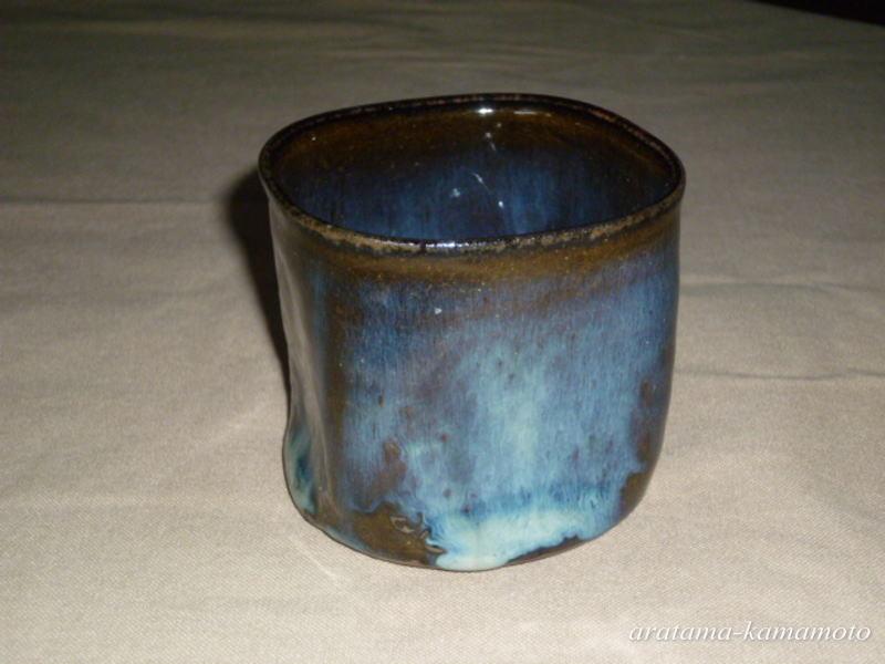 ロックカップ2000円  大きめのカップで丸味を帯びた四角の形は手になじみ易いです。