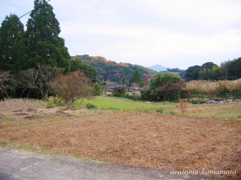 周りはのどかな里山の風景が広がります。