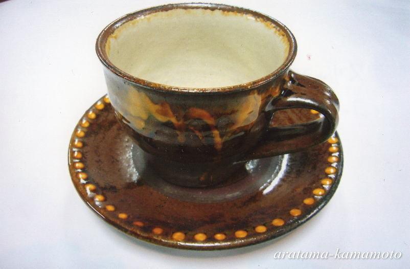 スリップウェアー コーヒー碗とソーサー2800円(税抜)