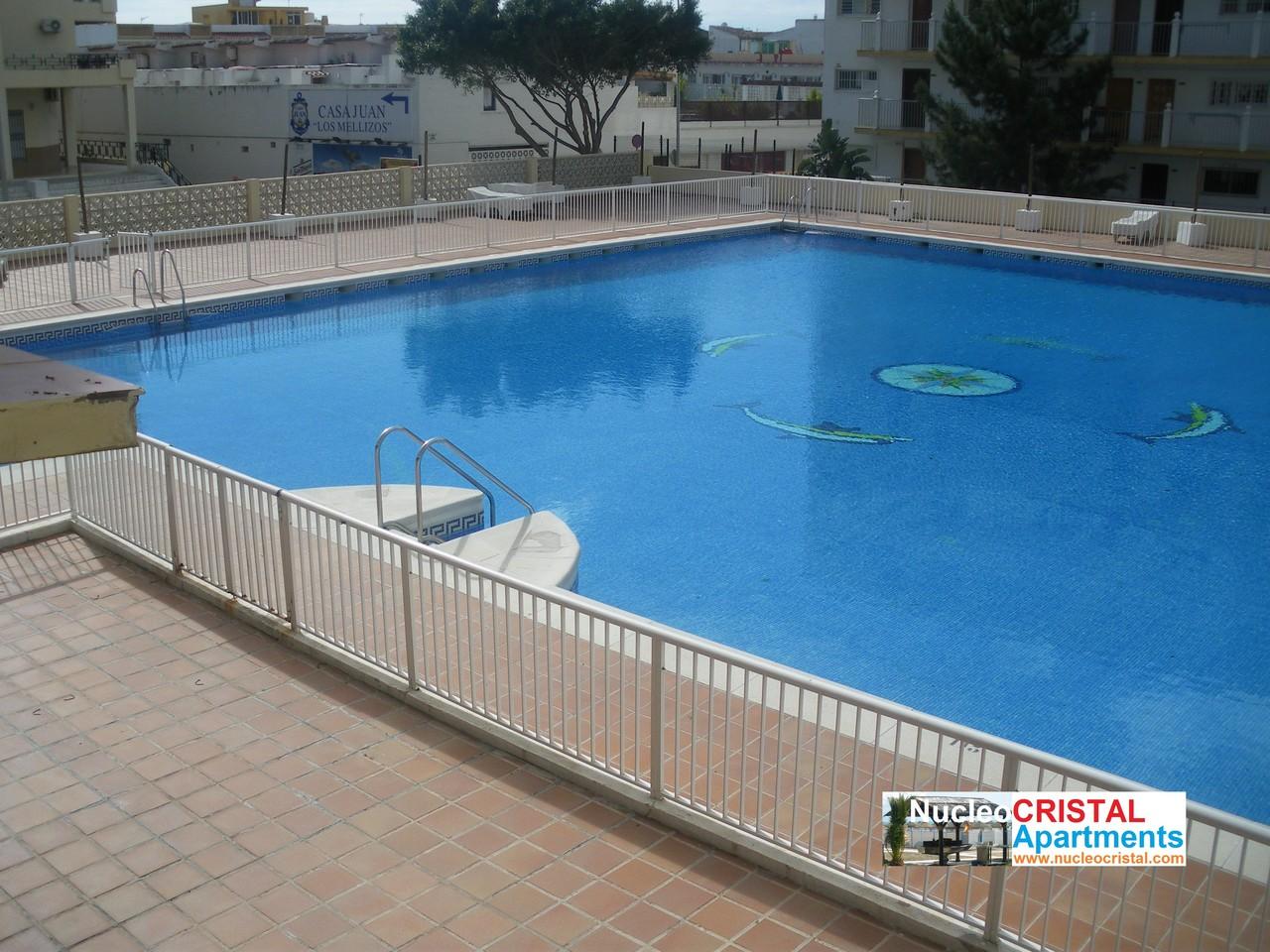 Piscina pool piscine poel torremolinos web oficial for Piscina torremolinos
