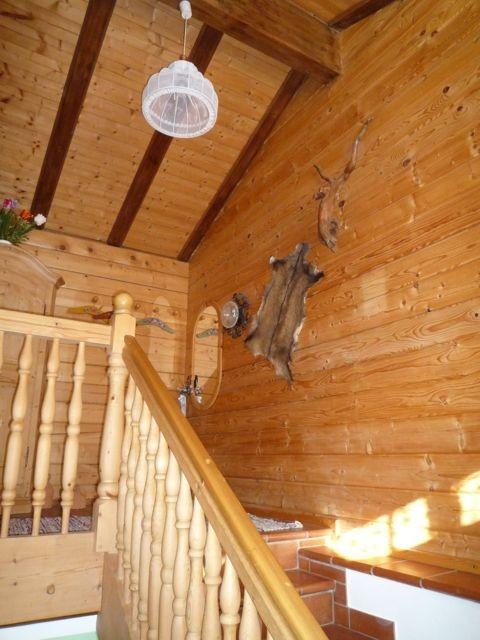 Flur mit Landhaus-Dekoration