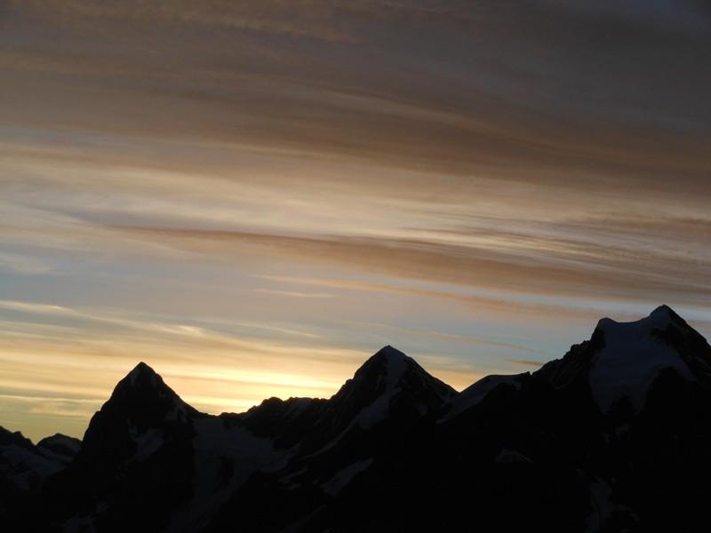 Eiger, Mönch und Jungfrau im Morgenlicht.