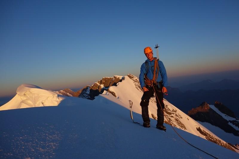 Am Gipfel des Morgenhornes als erste Etappe der Blüemlisalp-Überschreitung.