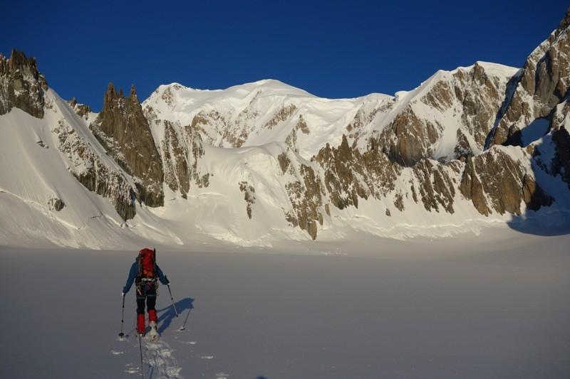 Unterwegs zur Tour Ronde. Im Hintergrund der Mont Blanc.