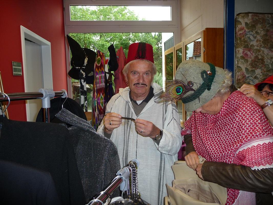 Besucher kostümierten sich auch und wurden fotografiert