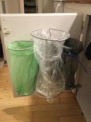 Køb smart affaldsstativ - Affaldsstativ Flower til køkken fra 96.-
