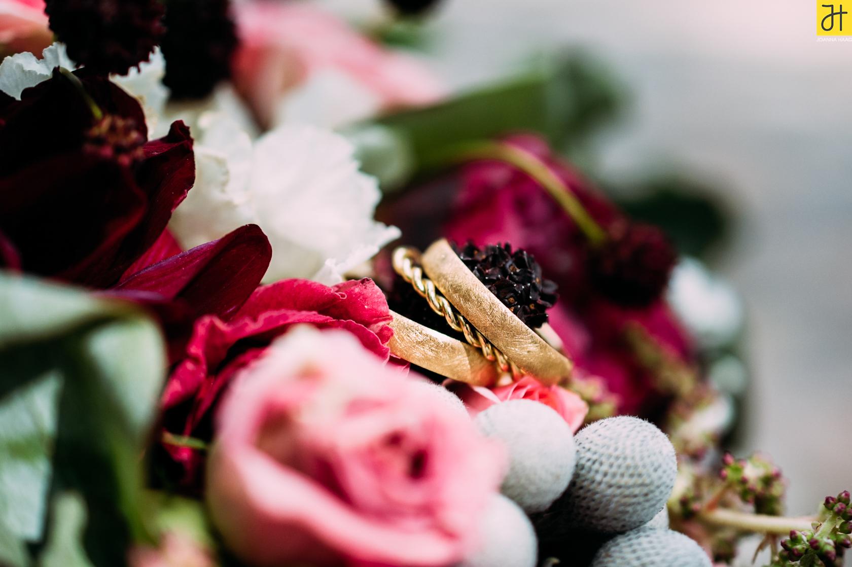 © JOANNA HAAG / #Hochzeit #Brautpaarshooting #Brautpaar #Villingen #Eheringe