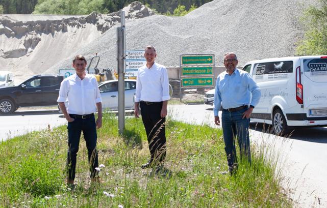 Baustart Kreisverkehr: Bgm. Thomas Öfner (MG Zirl), Obmann Simon Meinschad, Bgm. Sepp Walch (Gemeinde Inzing)