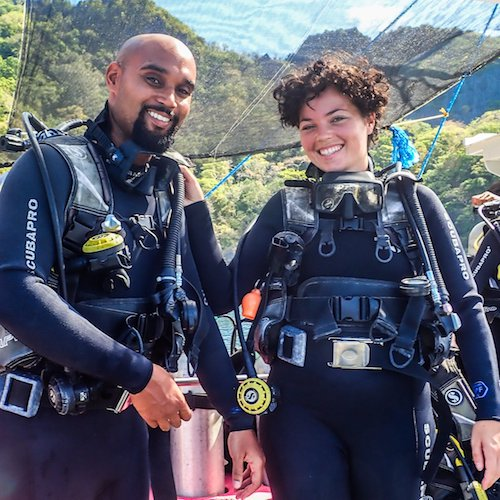 Enjoy scuba diving in El Nido