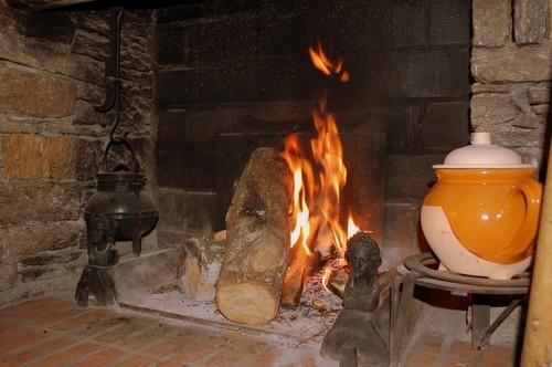 Gîte l'Hospitalité La cheminée  Andorre-Pyrénées