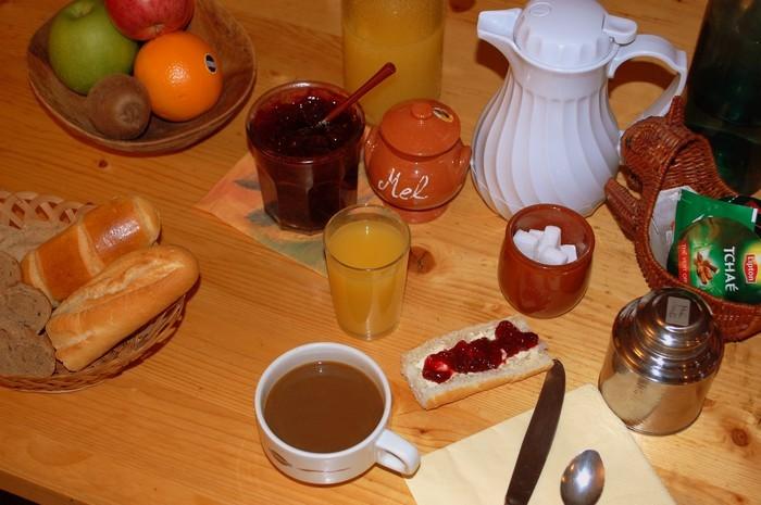 Gîte l'Hospitalité Petit-déjeuner complet Andorre-Pyrénées