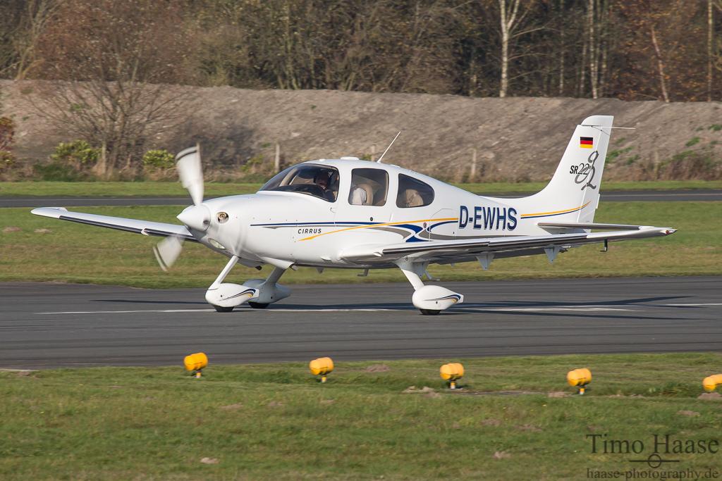 07.11.14 Cirrus Design SR22 G2 ( D-EWHS )