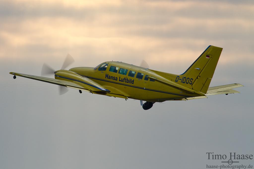 06.03.12 Cessna 404 Titan ( D-IDOS ) von Hansa Luftbild