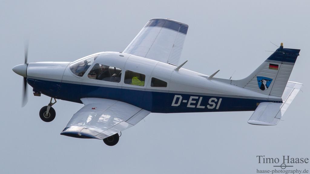 06.03.12 Piper PA 28-181 Archer II ( D-ELSI ) der Motorfluggruppe WHV-FRI