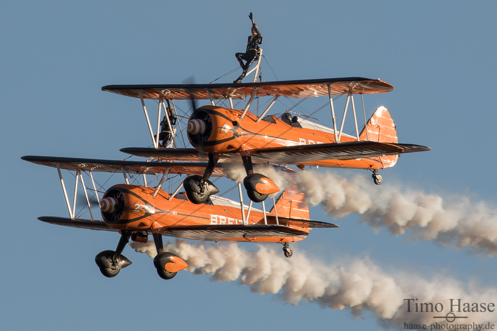 Breitling Wingwalkers mit Boeing Stearman