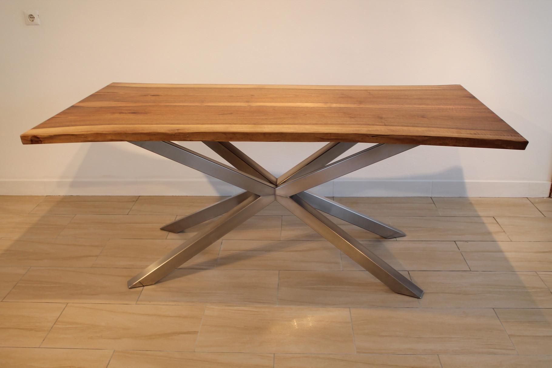 Tische designschreiner artofwood m beldesign for Design tisch edelstahl
