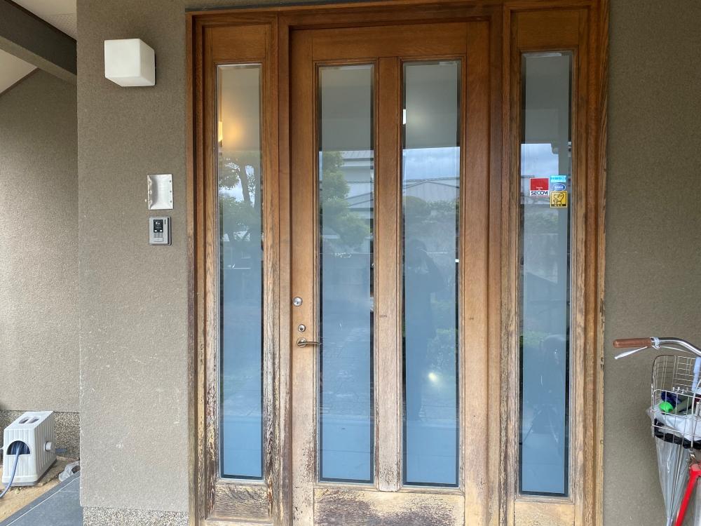 徳島市八万町 玄関ドア 塗装で高級感を再現♪