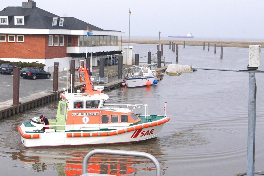 """""""1st Ship"""" 2010 im Otterndorfer Hafen, """"Gillis Gullbransson"""" - Rettungsfahrzeug, stationiert  in Brunsbüttelkoog"""