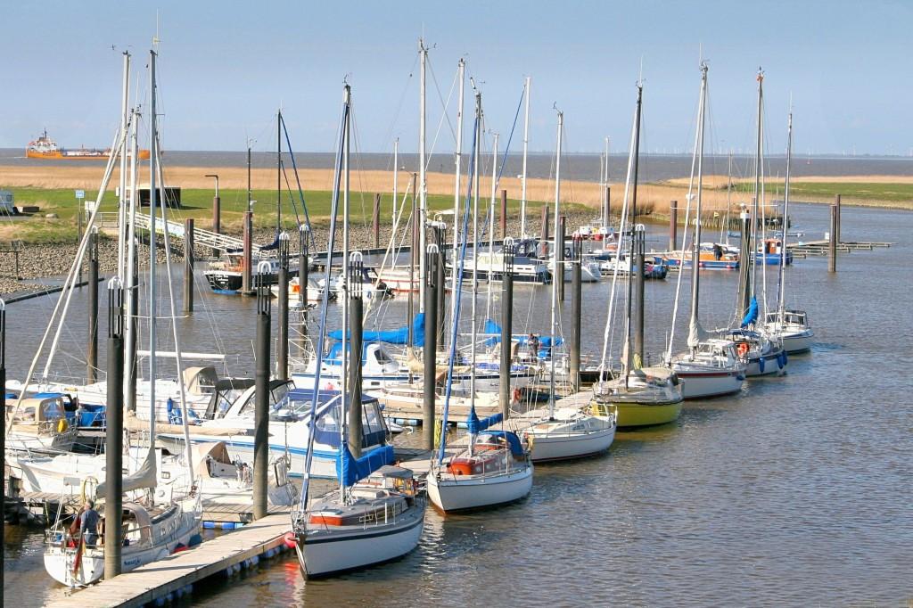 Ende April 2010 Der Hafen füllt sich mit Booten_ Foto: Lutz Lühmann