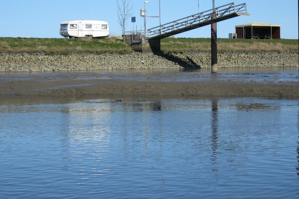Ostern 2012 Nordschlengelbereich zur Zeit bis ca 1m Schlick bei MNW