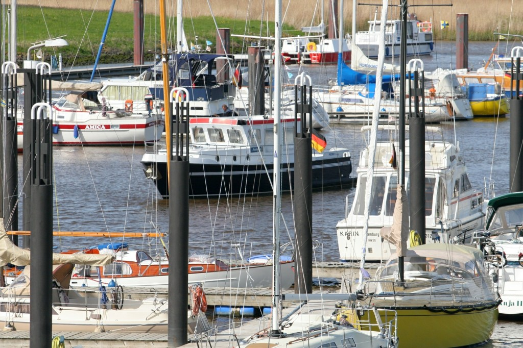 14.05.2010 Das gute Wetter am Wochenende vor Pfingsten sorgte für regen Hafenbesuch Foto: Lutz Lühmann