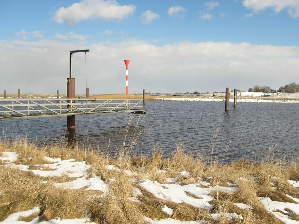 14.03.13 der Hafen ist heute eisfrei in Otterndorf Foto: Lutz Lühmann