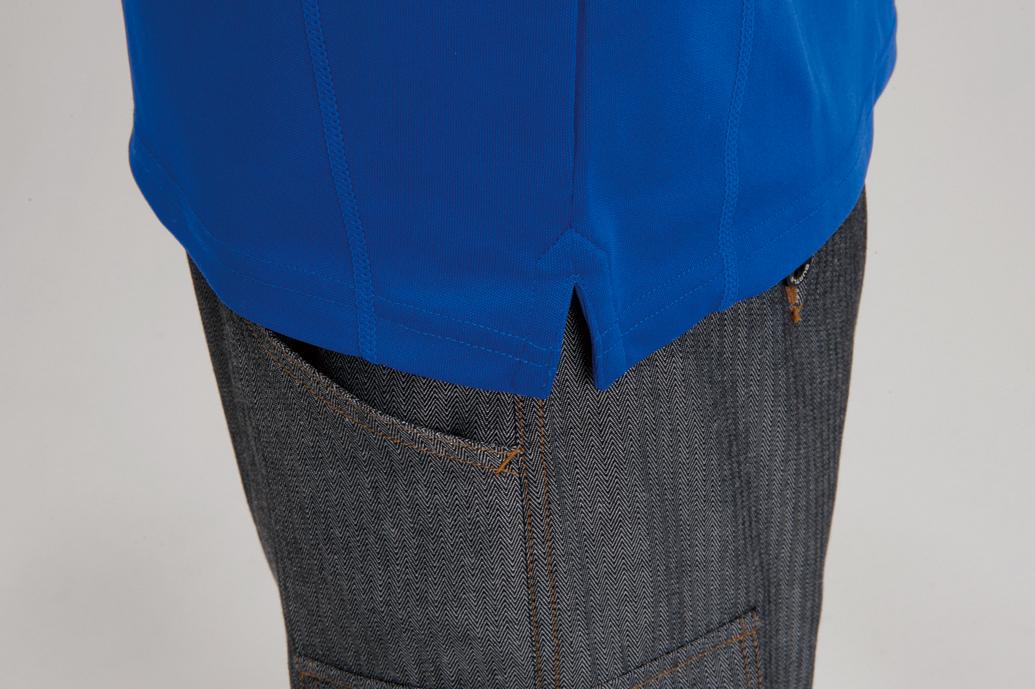BURTLE 413 長袖ジップシャツ 脇にスリットを入れて着やすくしています。