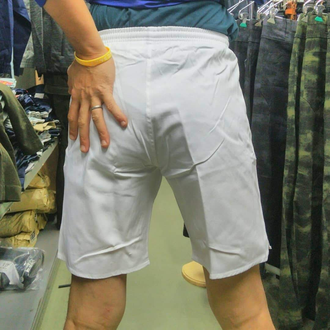 祭り用白半ズボン 1,990円(税込)履いてみました。タイトに決まっていい感じです。