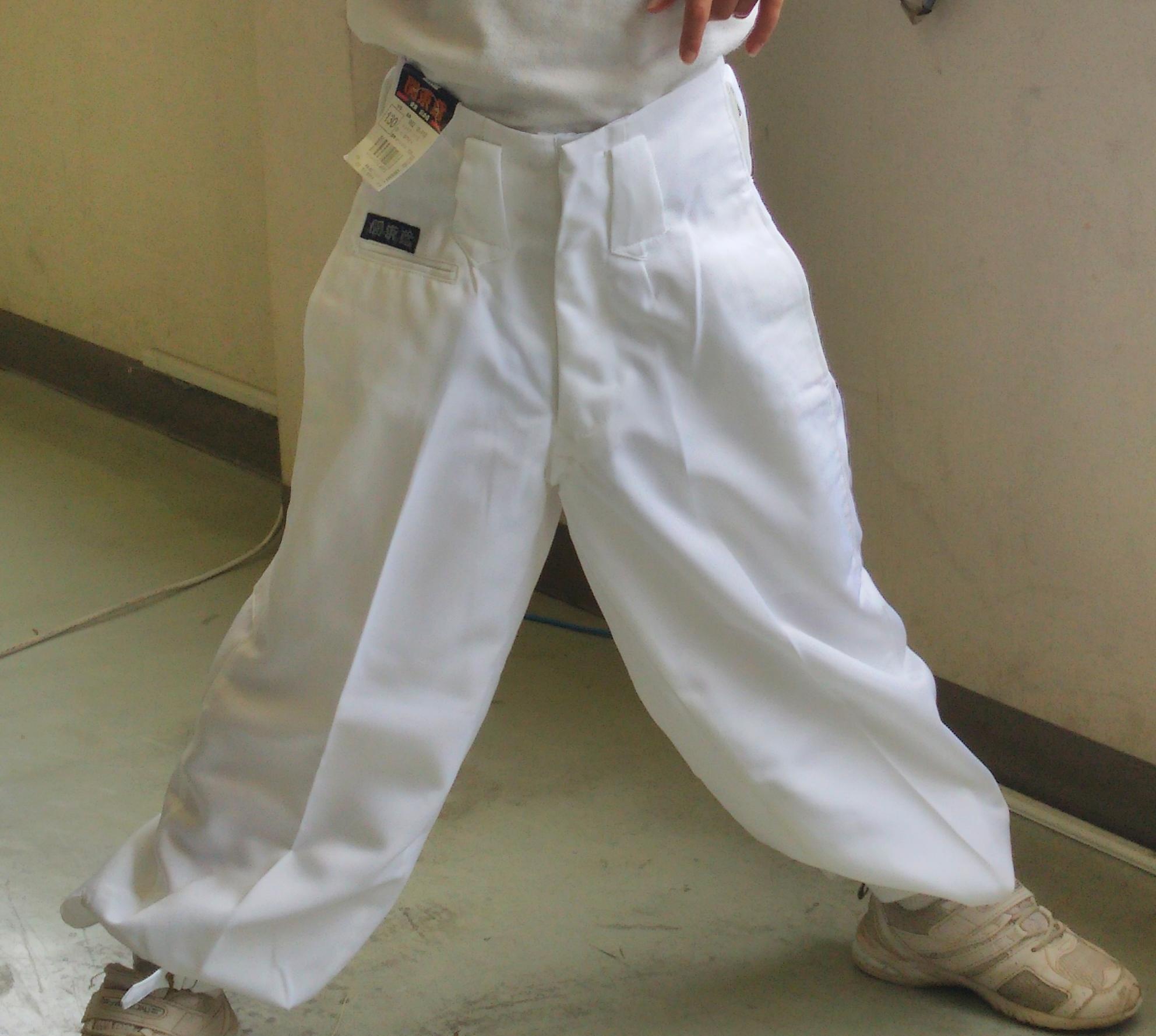 子供用白ニッカズボン カラーは、祭り用の白・踊り用の黒があります。