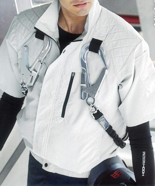 V5577 冷感半袖ブルゾン ¥4,950(税込)