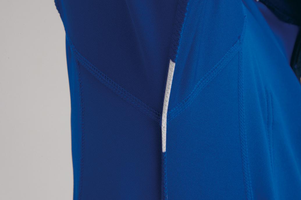 BURTLE 413 長袖ジップシャツ 脇に消臭テープを搭載。汗の臭いを防ぎます。