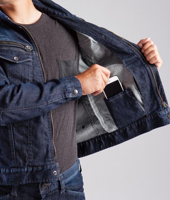 BURTLE~バートル~ 511 ブラストデニムジャケット 内ポケットは、もちろんスマホ対応。