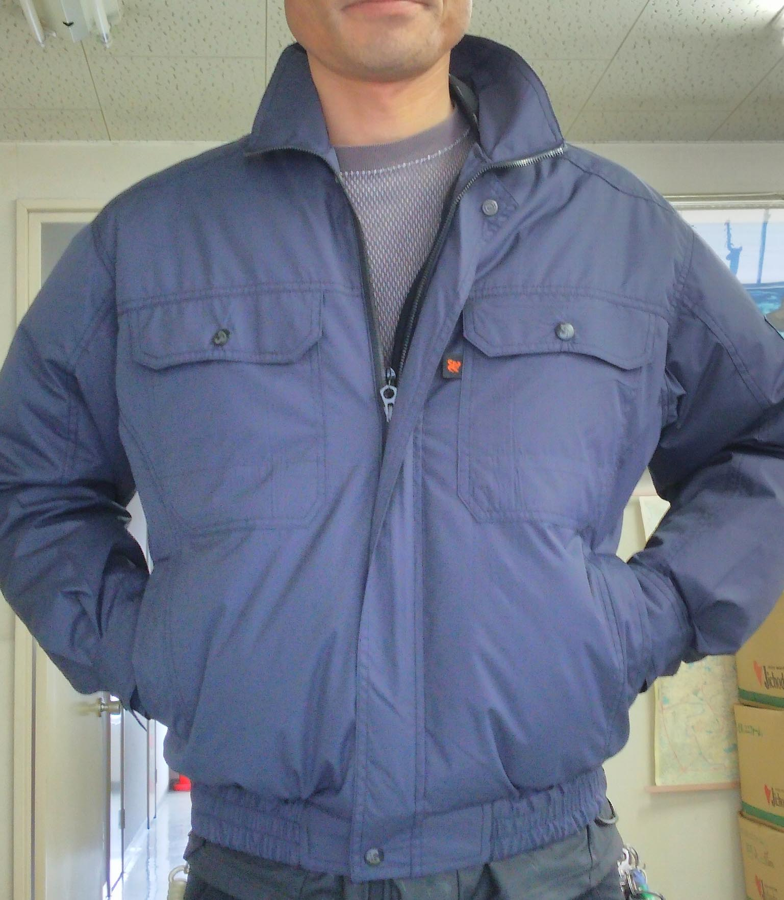 空調服リスペクト商品!!風が体を駆け巡る涼しさ!!裏チタンブルゾン ¥3,990(税込)