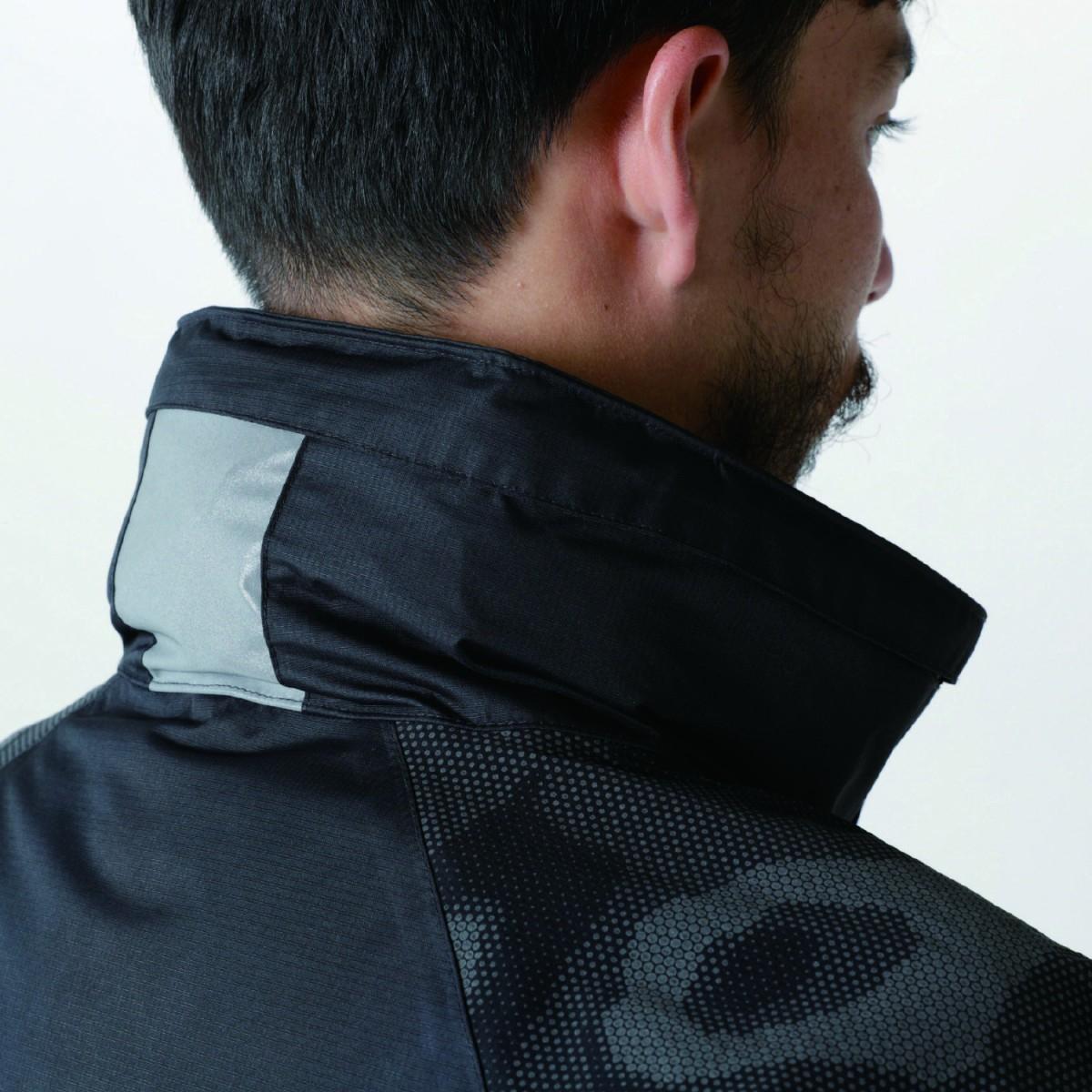 TS DESIGN  18236 メガヒートフラッシュ防水防寒ジャケット フードは収納できます。