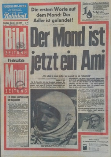 1969 kostete die Zeitung noch 15 Pfennig => etwa 7,5 Cent für alle, die nicht mehr wissen, was Pfennige sind :-)