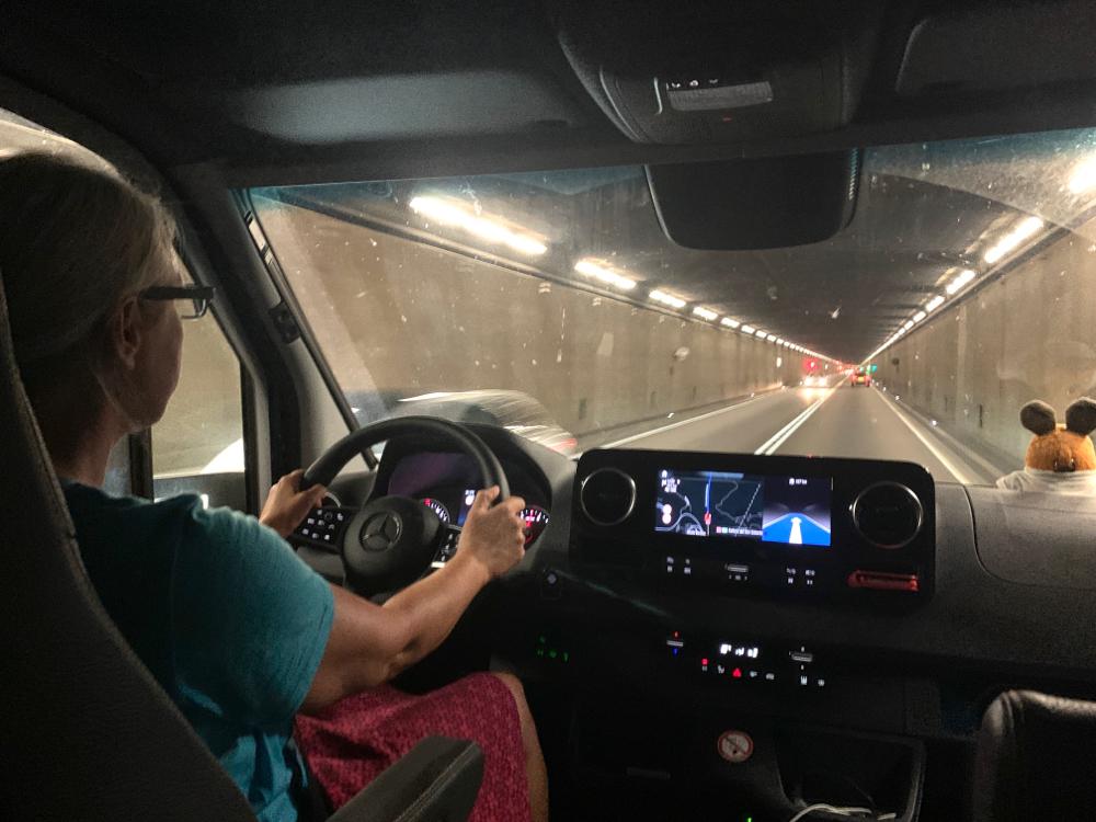 .... im 17 Kilometer langen Tunnel