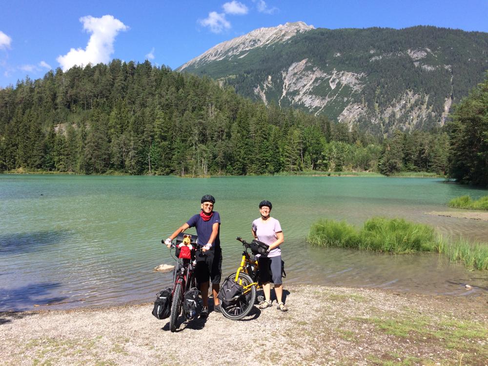 Der Weißensee auf dem Weg zum Fernpass auf 1.080 Metern Höhe