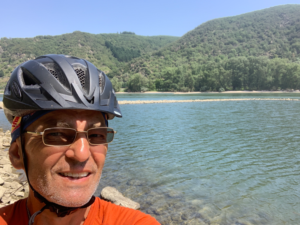 Der Rhein und der Räuber