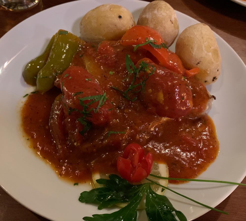 Die Hauptspeise bildete Thunfisch vom Grill nach kanarischer Art