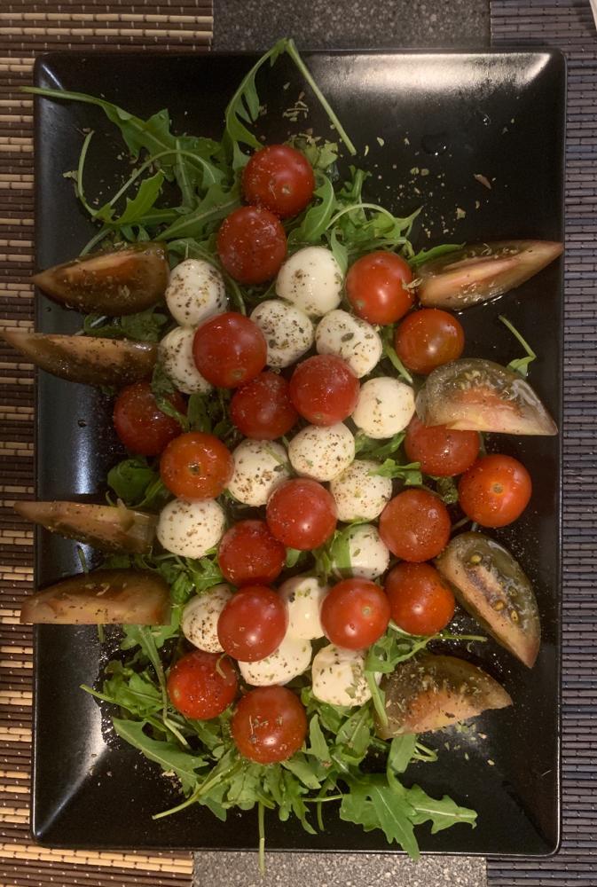 Vorspeise Tomate mit Mozzarella
