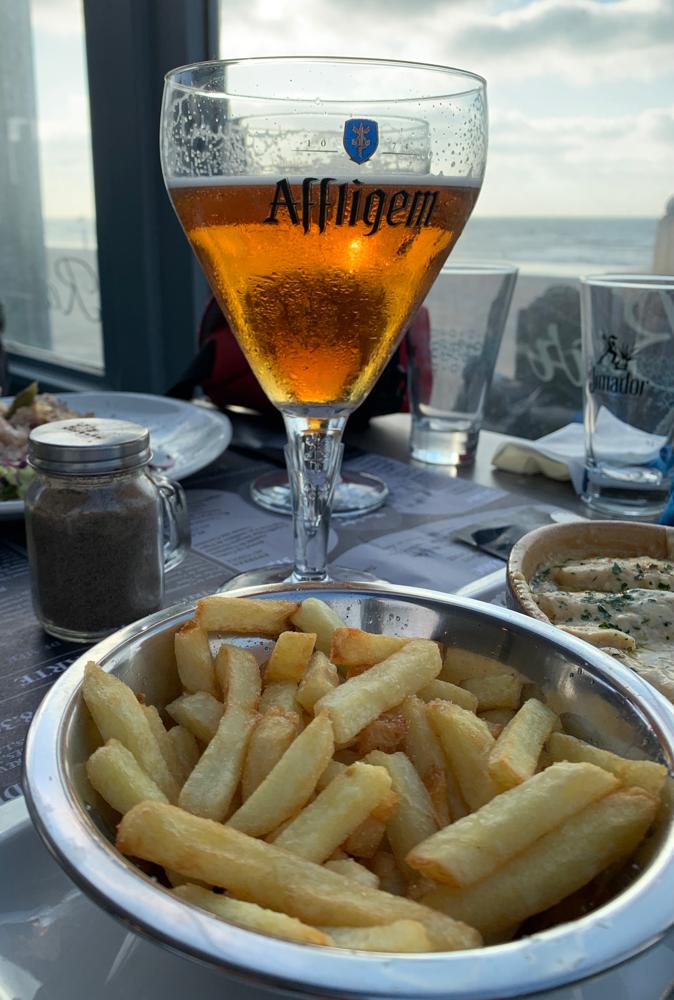 An der Küche merkt man, dass Belgien nicht weit ist